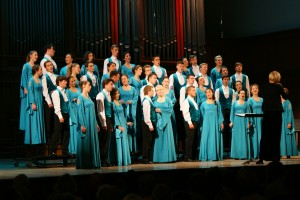 Поздравляем наш студенческий хор с успешными гастролями